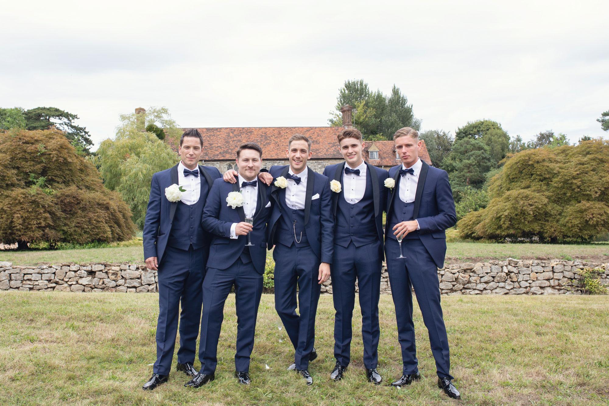 nettlestead place wedding photo groomsmen