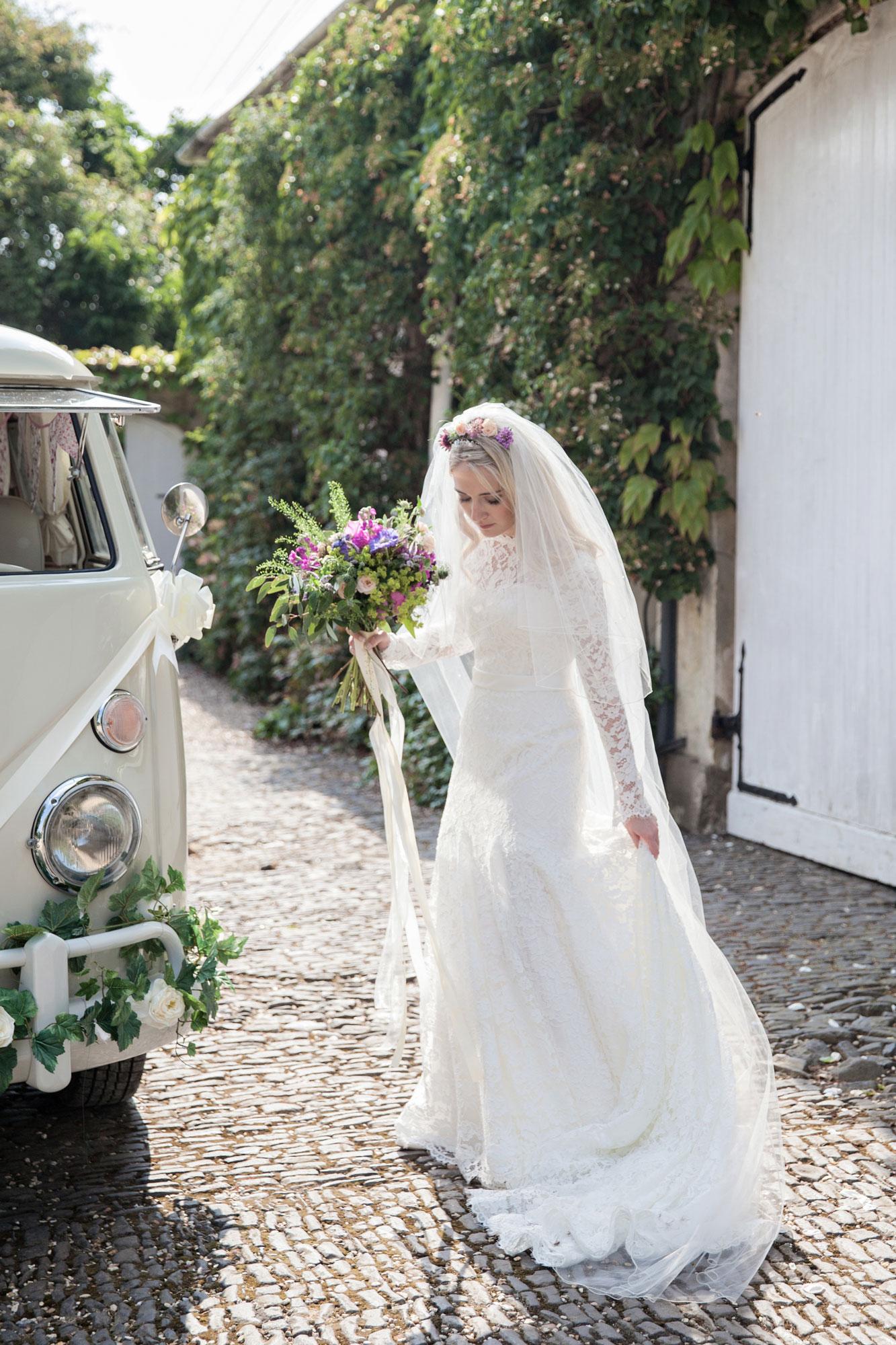northbrook park wedding photogrpaher surrey boho bride