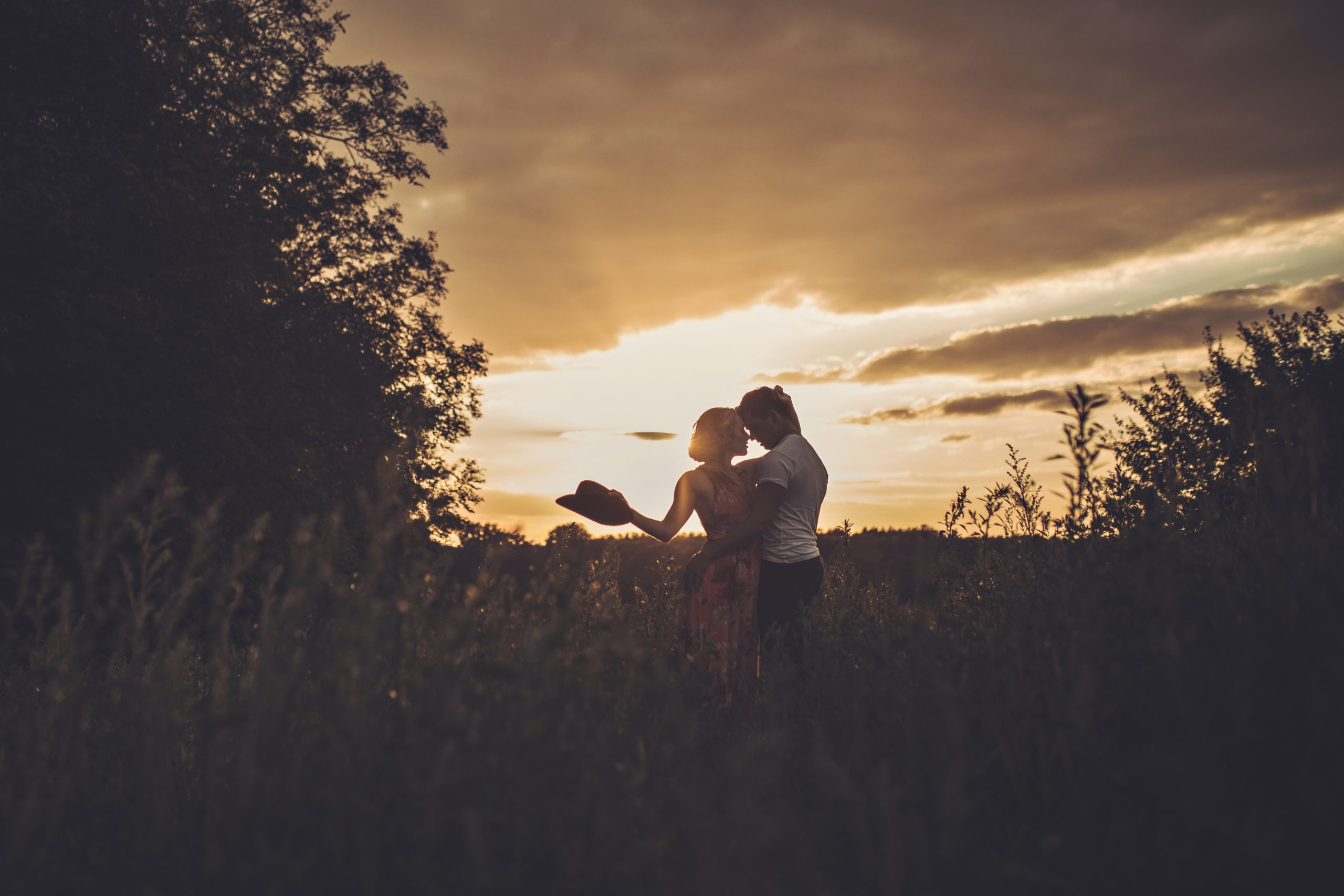 golden hour pre wedding shoot uk