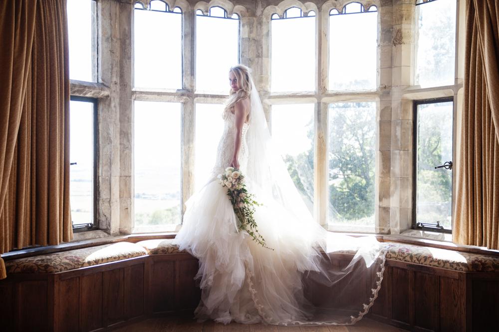 bride at bay window lympne castle