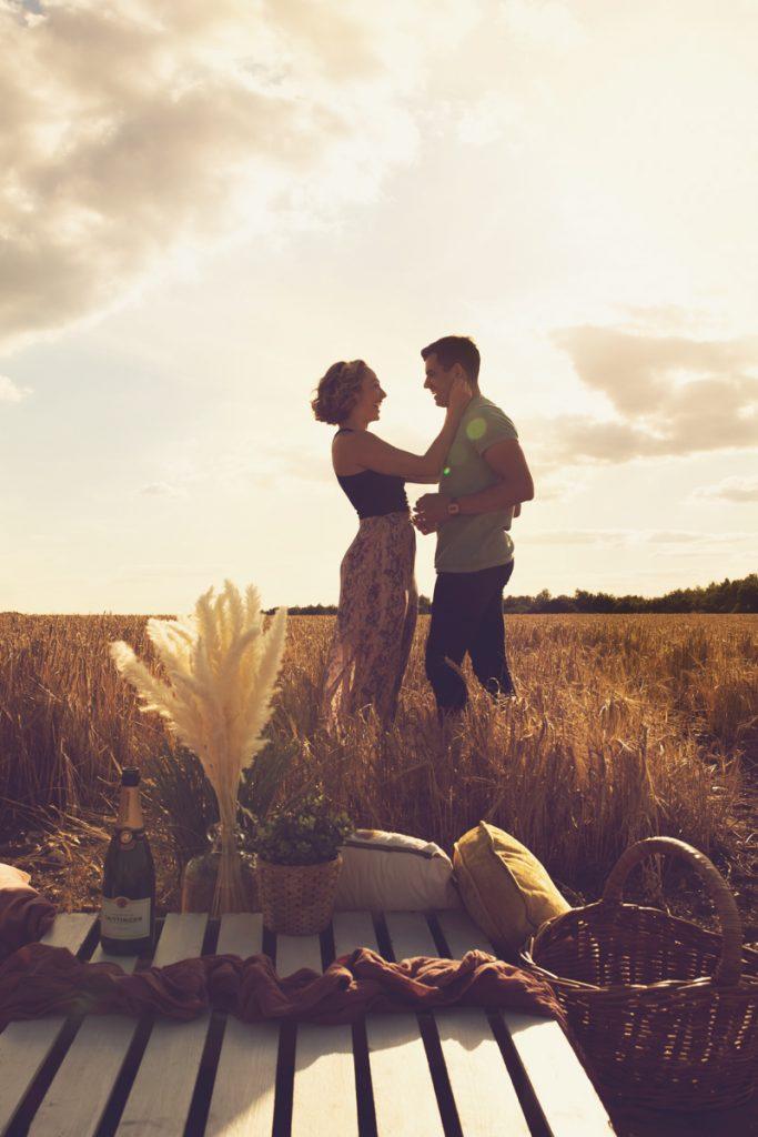 golden hour engagement photos